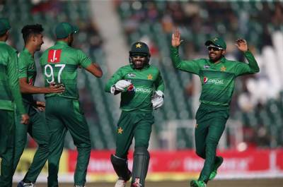 Shoaib Malik's great comeback innings steal victory for Pakistan against Bangladesh