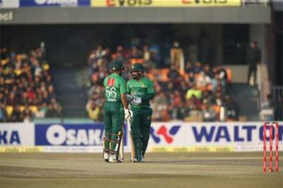Pakistan thrashes Bangladesh in 2nd T20 match at home ground to clinch T20 series