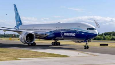 Boeing's largest twin engine Airplane makes first flight