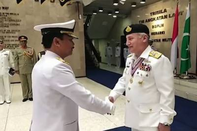 In a big honour, Pakistan Navy Chief awarded with highest military award of Indonesia
