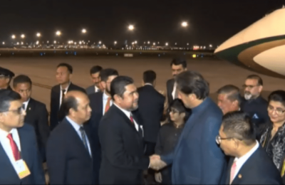 PM Imran Khan lands in Malaysia with high level Pakistani delegation