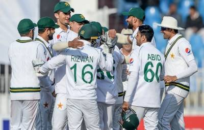 Bangladesh batting lineup collapse in front of Pakistani pace attack