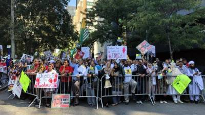 Massive Anti India protests held in New York iconic Times Square by Pakistanis, Kashmiris and Sikhs