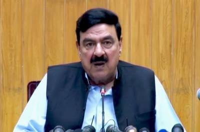 Sheikh Rashid Ahmed makes predictions about future programmes of Nawaz Sharif and Maryam Nawaz