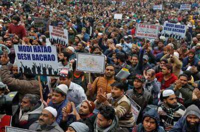 Thousands of Muslims marched in India against controversial citizenship law