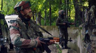 Near 1 million Indian military troops hunting 250 Kashmiri fighters in the valley: Report