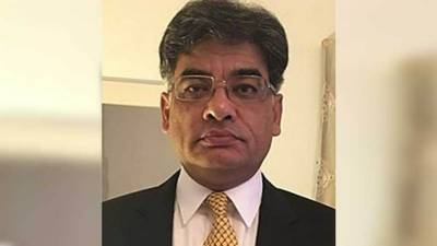 Newly appointed Attorney General of Pakistan Khalid Javed Khan surprised federal government in the Supreme Court