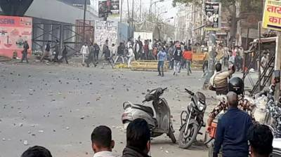Over 15 people injured in violent clashes in Indian capital New Delhi