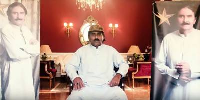 Legendry cricketer Javed Miandad hits out at Pakistani TV Channel over mocking show, threatens legal action