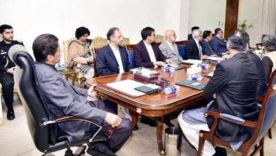 PM Imran Khan directs comprehensive strategy for reduction in petroleum prices across country
