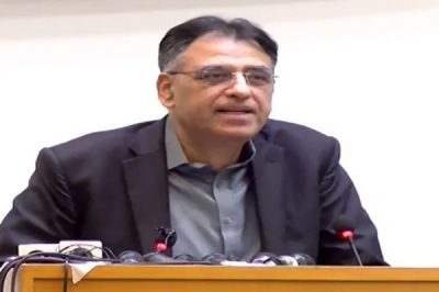 Planning Minister Asad Umar hints at good news on economic front for Pakistanis in coming days