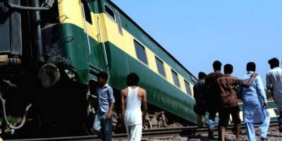 In a worst, Pakistan Railways two trains collide due to a Signal fault