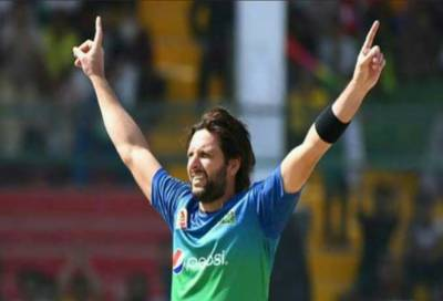Do you agree with boom boom Shahid Afridi over the PSL trophy of the tournament?