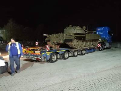 Pakistan Military received 100 modernised T55 Battle Tanks from the foreign country