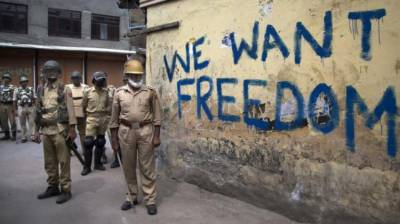 Indian troops crackdown against the Kashmiri journalists intensifies in the name of anti national activities