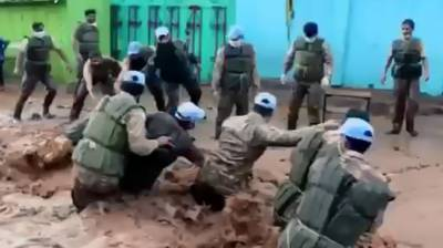 Pakistani Peacekeepers rescued over 2000 stranded people during the peacekeeping duties