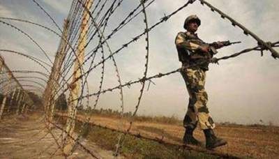 Indian Military troops begin indiscriminate firing with heavy mortars and artillery at LoC