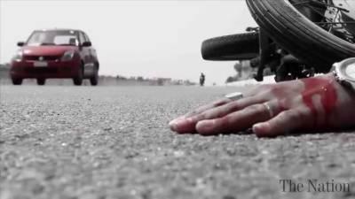 Woman dies in road mishap