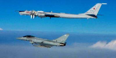 Russian and US Air Force Jets face off in the International Air Space