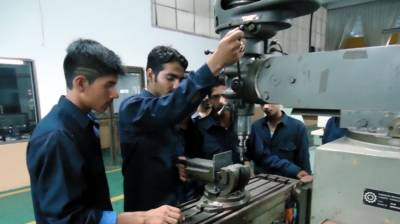 Mian Aslam vows to promote technical education