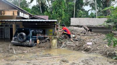 16 killed due to flash floods in Indonesia July 15, 2020