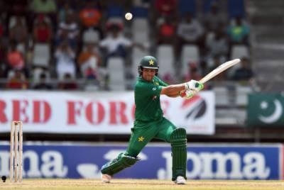 Pakistan batsman Kamran Akmal shows off his form in the nets, July 17, 2020