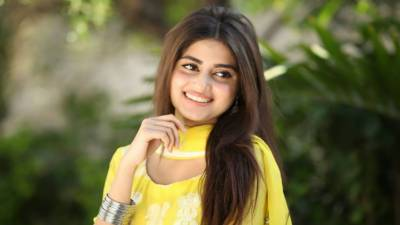 Sajal Ali urges Pakistani women folks to be brave for meeting challenges of life July 23, 2020