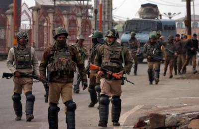 Indian troops arrest eight youth in IOK, july 27, 2020