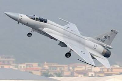 Air Chief asseses flight performance of recently induced JF-17B dual seat aircraft Aug 13, 2020