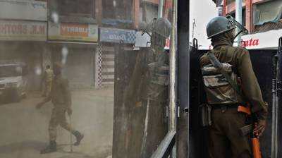 Two Indian policemen killed, one injured in Srinagar attack August 14, 2020