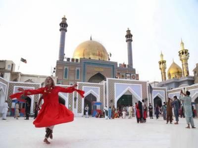 Shrine of Lal Shehbaz Qalandar re-opened under strict SOPs August 17, 2020