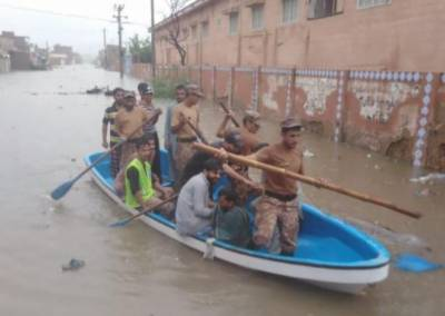 Armed Forces active in rescuing flood affectees in Karachi August 28, 2020