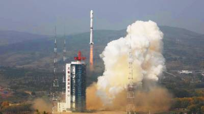 China successfully launches two satellites into space