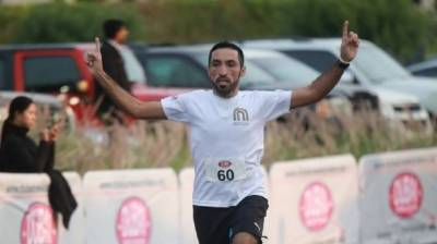 Pakistani Athlete breaks Guinness World Record for fastest man while dribbling