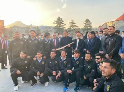 Afghanistan National Cricket team gives a unique gift to Pakistani PM Imran Khan