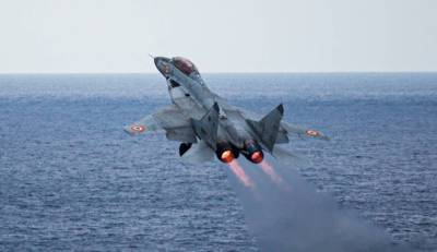 Indian Navy Fighter Jet crashes in Arabian Sea, Pilot missing
