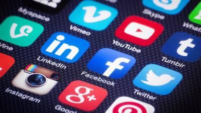 Global tech dirks Facebook and google seek Pakistani PM Imran Khan support