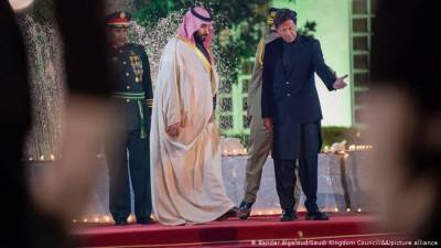 Are Saudi Arabia and Pakistan untying the knot?