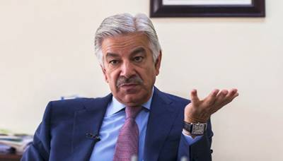 Khawaja Asif breaks silence over his arrest by NAB