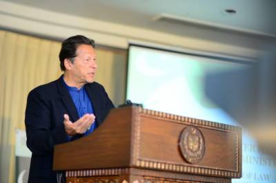 Speaking English infront of non English is an insult to them, says PM Khan