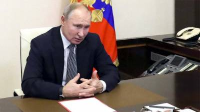 Russian President Putin signs nuclear pact with US for 5 years