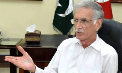 Defence Minister Pervaiz Khattak clarifies his remarks against the PM Khan government