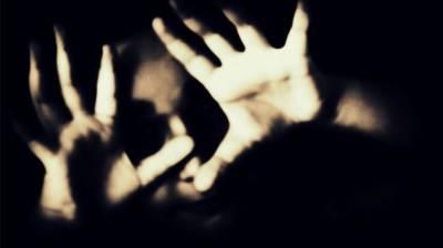 Pakistani man rapes his 16 years old daughter at gun point