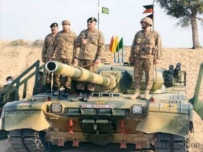 Pakistani Army Chief witnessed Army Corps manoeuvres in Thar Desert