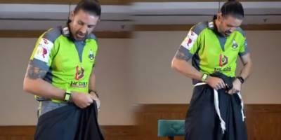 (VIDEO): PSL 6 Foreign players take up Shalwar Challenge