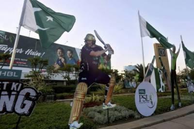 Karachi Police arrests most wanted gamblers gang of PSL