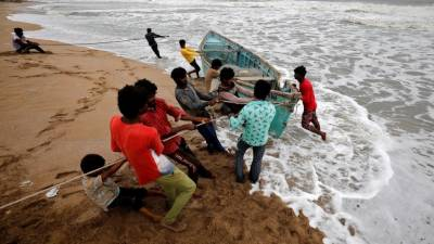 India braces for the worst cyclone of two decades