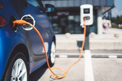 Pakistan government unveils plan to convert transport system into electric vehicles