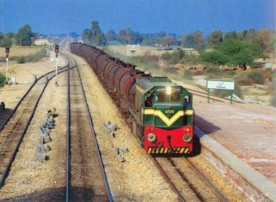 Pakistan Railways on track to come out of the historic losses