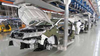 Car prices of both new imported and locally made likely to go down in Pakistan